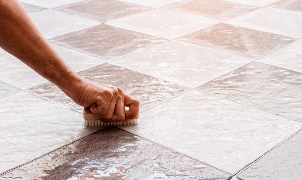 浴室の床が汚れにくいと掃除が楽!床材選びのポイントについて